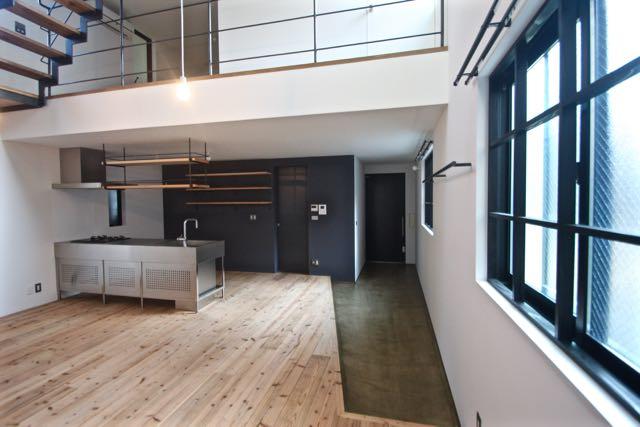 3階建て住宅です。木造で構成しています。_d0111714_1102279.jpg