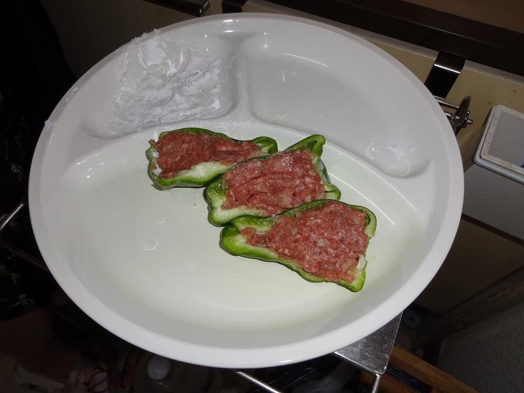 実家からの野菜2015第三弾2 トマピーの肉詰&激辛しし唐_d0061678_17144381.jpg
