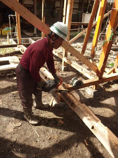 矢巾町 古民家改修工事 解体工事進行中。_f0105112_6113380.jpg