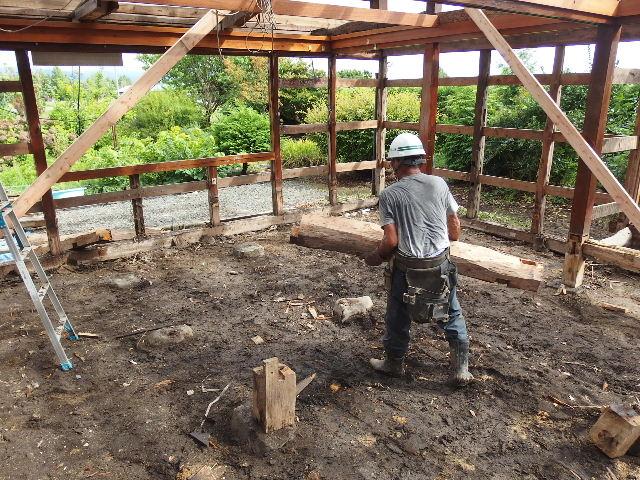 矢巾町 古民家改修工事 解体工事進行中。_f0105112_6123258.jpg