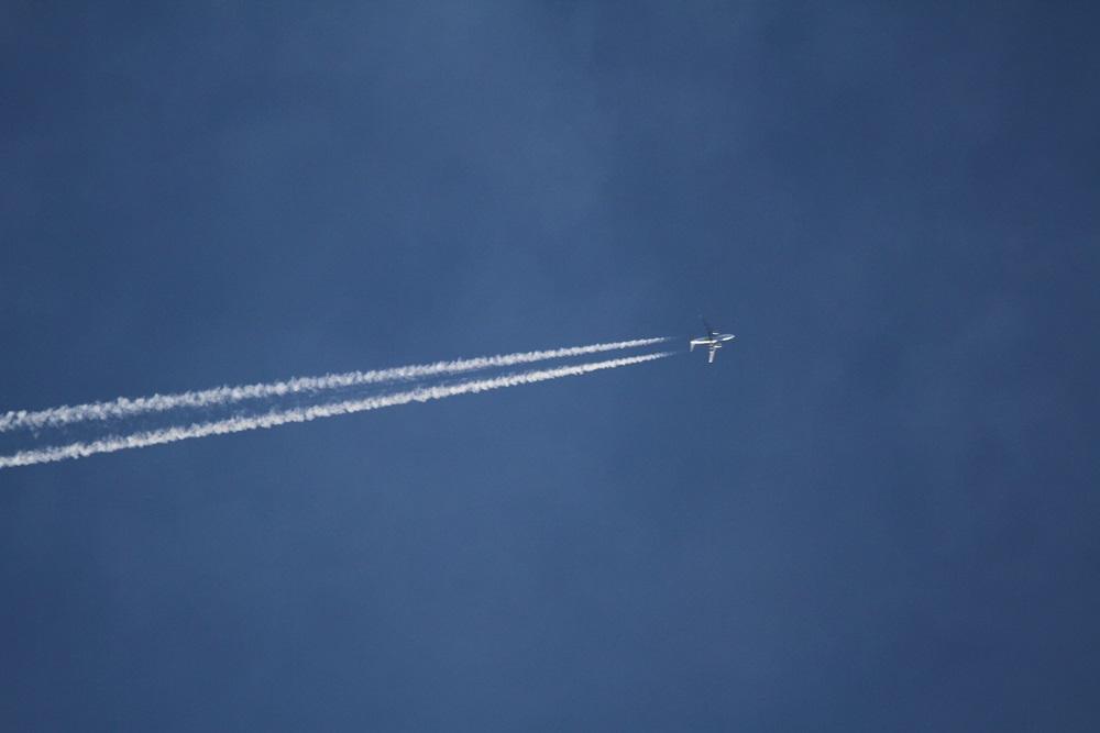 空が気になる一日_c0111229_18403252.jpg