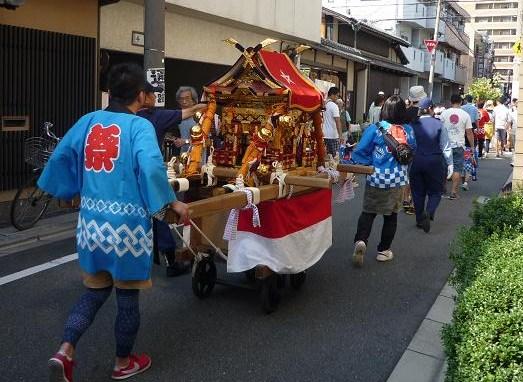 着物で千両ヶ辻・西陣伝統文化祭・晴明神社のお祭りへ。_f0181251_17213364.jpg