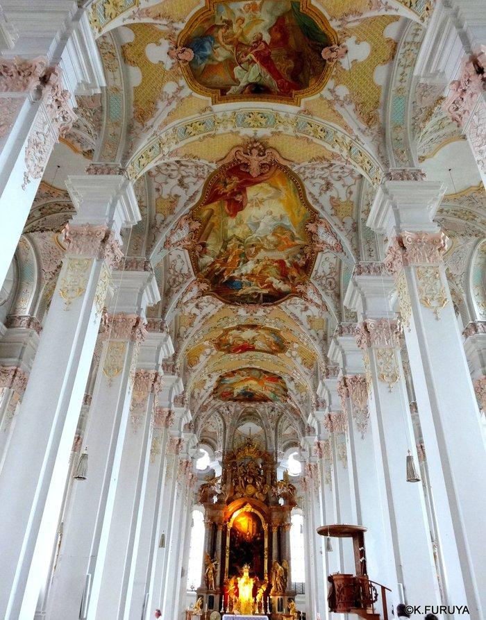 ドイツ9日間の旅 7 ミュンヘン旧市街の教会_a0092659_20232915.jpg