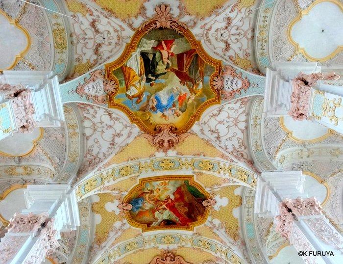 ドイツ9日間の旅 7 ミュンヘン旧市街の教会_a0092659_20274027.jpg