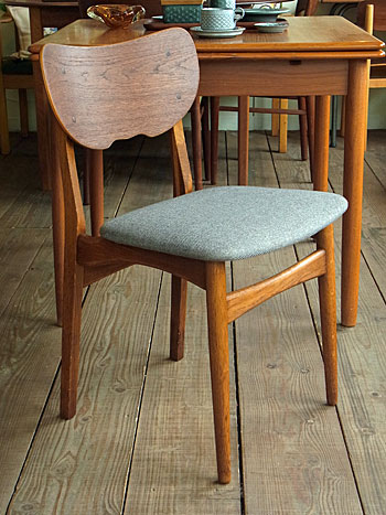 dining chair_c0139773_1845617.jpg