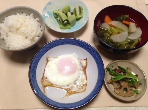 母の食事。朝ごはんの目玉焼き_d0122797_10384664.jpg
