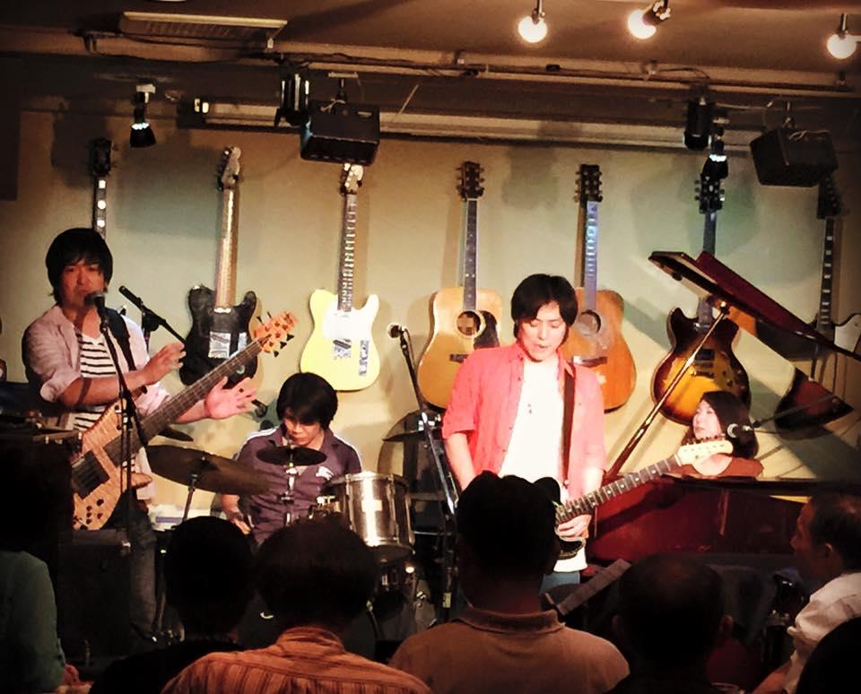 Girls ROCK Trio と 歌と太鼓のおいしい関係 と 神様と。_f0115311_0105461.jpg