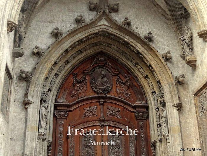 ドイツ9日間の旅 7 ミュンヘン旧市街の教会_a0092659_17325416.jpg