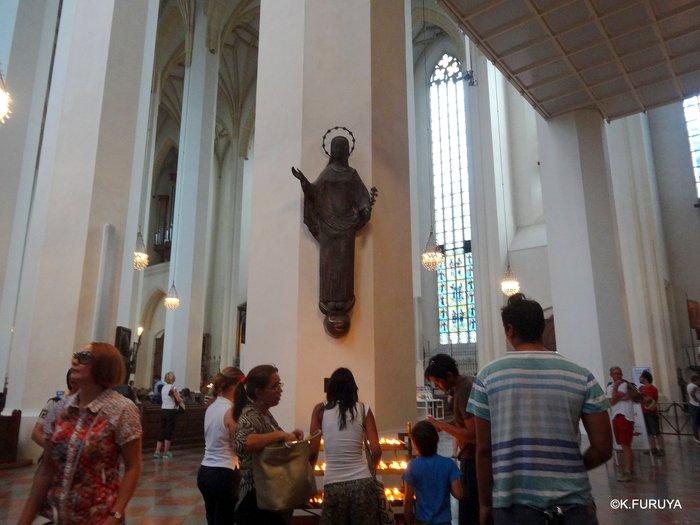 ドイツ9日間の旅 7 ミュンヘン旧市街の教会_a0092659_1757255.jpg