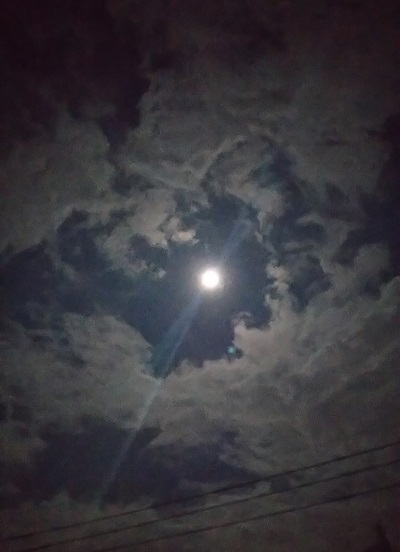 moon_b0067598_22100165.jpg