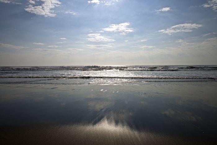 海から始まる一日。_c0127403_11193704.jpg