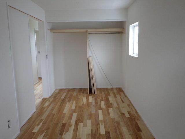 向中野 貸家新築工事 進行中 もうすぐ完成です。_f0105112_6271748.jpg