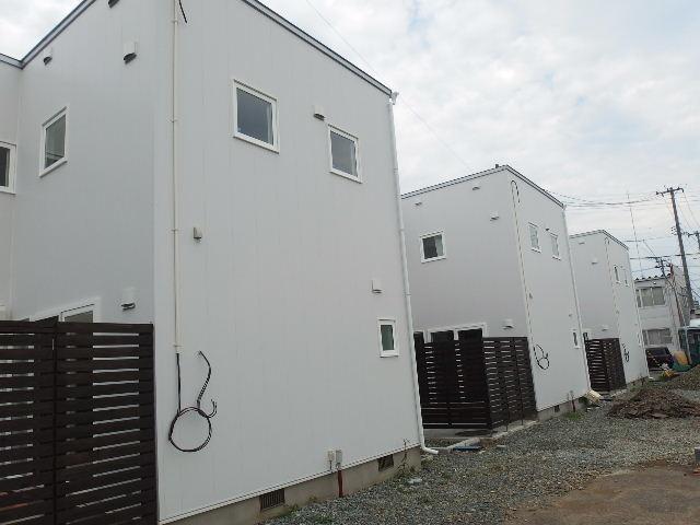 向中野 貸家新築工事 進行中 もうすぐ完成です。_f0105112_6332549.jpg
