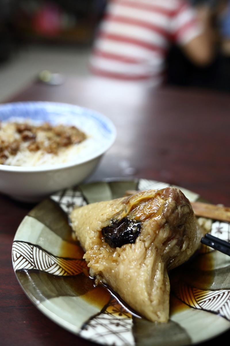 台南  「再発號」百年続くチマキの味わい_b0061717_0495357.jpg