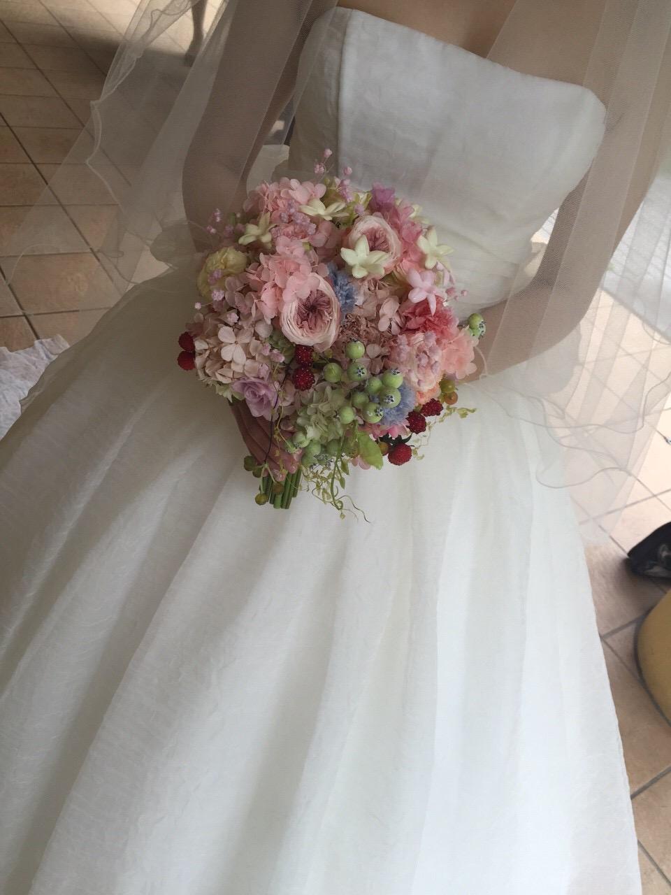 プリザーブドブーケと花冠 軽井沢高原教会さまへ 花嫁の後ろ姿_a0042928_1231575.jpg