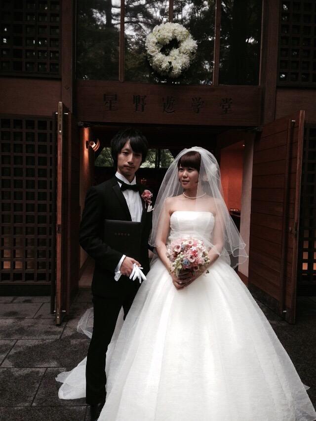 プリザーブドブーケと花冠 軽井沢高原教会さまへ 花嫁の後ろ姿_a0042928_123170.jpg