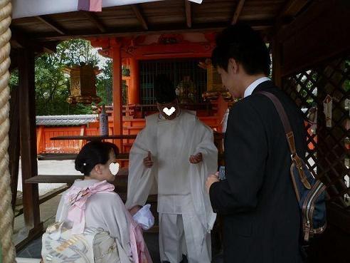 家族揃って、氏神様へ初孫のお宮参りへ。_f0181251_1511433.jpg