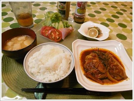 今日の鶏もも肉のトマトソース煮、いつもよりかなり美味しかった  \(>∀<)/+お友だちとランチ~_b0175688_21243280.jpg