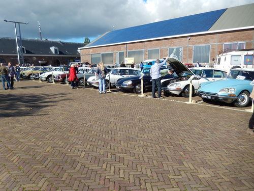 オランダのミーティング_c0105691_22365422.jpg