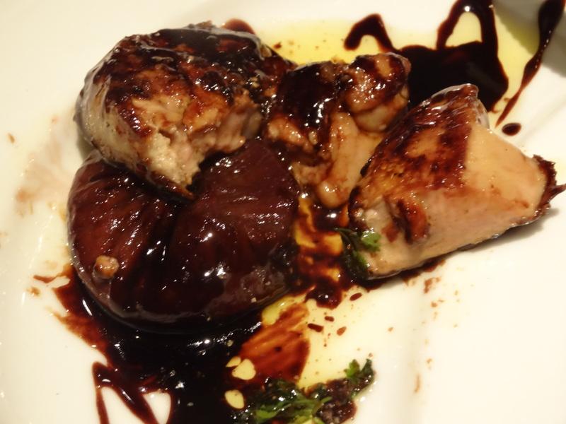 成田駅前のホテル1階のレストランで、本格フレンチのフルコースです。_c0225997_9171050.jpg