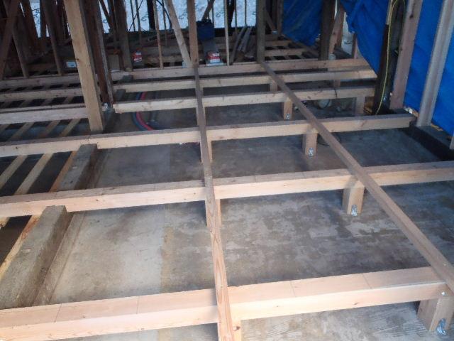 紫波町 農家住宅2世帯リフォーム工事 進行中。_f0105112_6245372.jpg