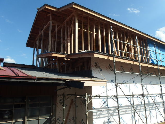 紫波町 農家住宅2世帯リフォーム工事 進行中。_f0105112_630254.jpg