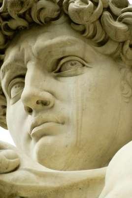 ダビデ像は巨人に恋をしていた!?瞳に浮かぶハートマークの謎 _b0064113_11421536.jpg
