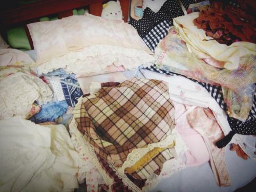 お洋服の整理を…   愛川こずえ_a0327479_21572291.jpg