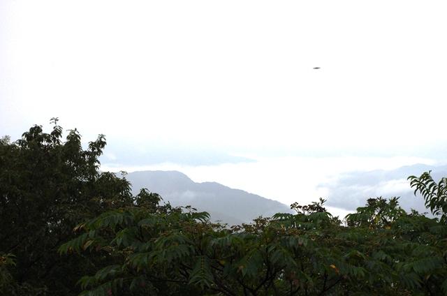 雲海ならぬ雲塊_e0167593_154598.jpg