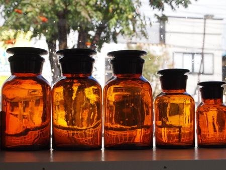 アンバーのガラス瓶_a0292194_1551666.jpg