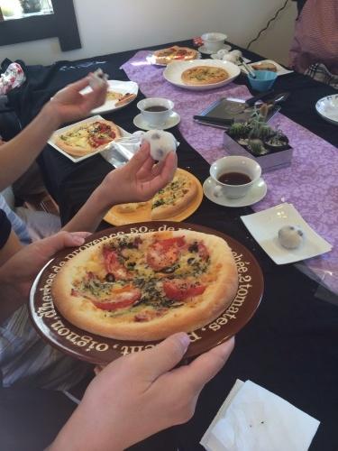 【2種のピザと豆大福】から【2種のエピ】_b0346442_08021779.jpg
