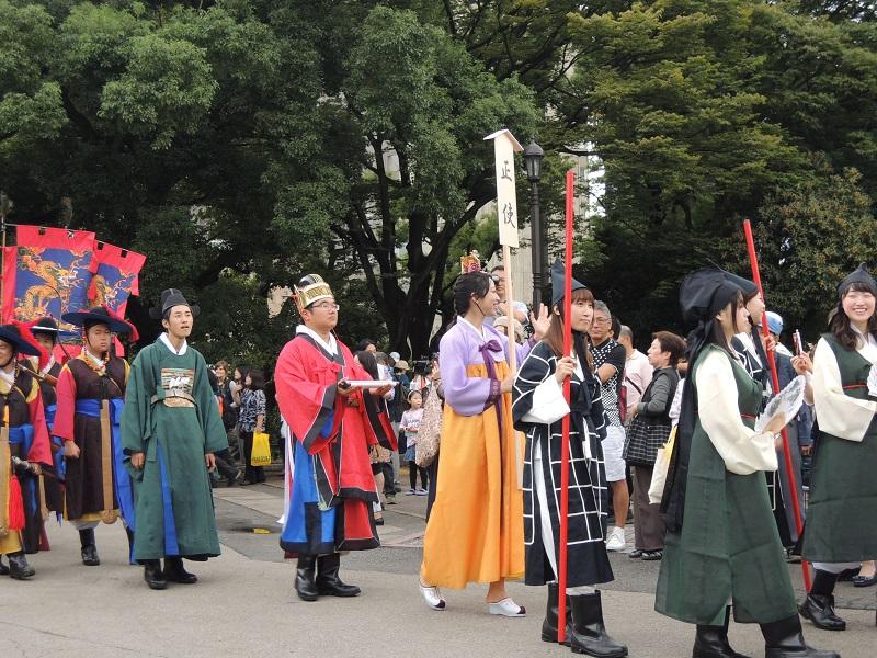 日韓交流おまつり in Tokyo での朝鮮通信使行列の様子をお知らせします_b0280244_15361950.jpg