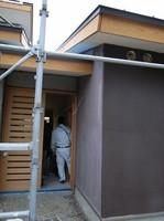 外壁の上塗りが始まりました_d0342155_13450571.jpg