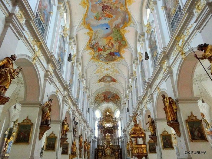 ドイツ9日間の旅 7 ミュンヘン旧市街の教会_a0092659_18124639.jpg