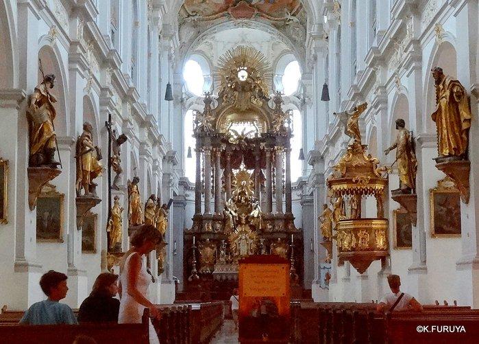 ドイツ9日間の旅 7 ミュンヘン旧市街の教会_a0092659_18135012.jpg