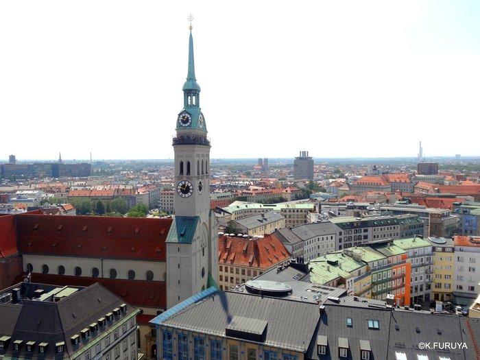 ドイツ9日間の旅 7 ミュンヘン旧市街の教会_a0092659_18173257.jpg