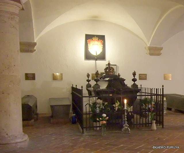 ドイツ9日間の旅 7 ミュンヘン旧市街の教会_a0092659_19531100.jpg