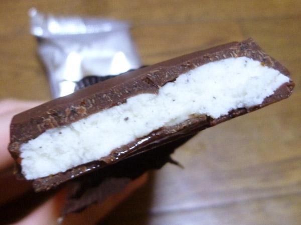 板チョコアイス Wクッキー@森永製菓株式会社_c0152767_20464911.jpg