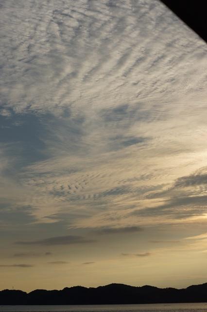 藤田八束の素敵な夕日紹介:若者が教えてくれた天草の夕日_d0181492_22234905.jpg
