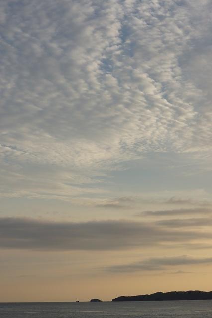 藤田八束の素敵な夕日紹介:若者が教えてくれた天草の夕日_d0181492_22241332.jpg