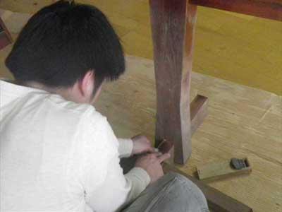 ご愛用の家具修理_d0023137_18492857.jpg