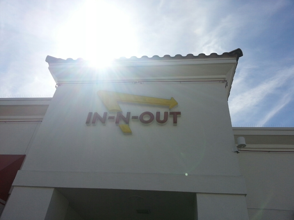 IN-N-OUTバーガー_a0105740_18290649.jpg