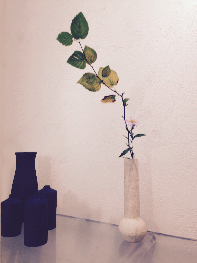 今日の 花器と花_b0132442_17404581.jpg