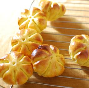 バタール、チーズクッペ、フォカッチャ、かぼちゃパンなど_a0175348_9391757.jpg