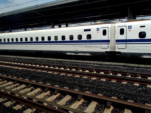新幹線  (新大阪へ向う朝 編)_d0105967_18471238.jpg