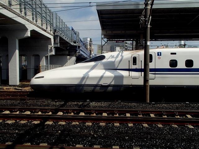 新幹線  (新大阪へ向う朝 編)_d0105967_18472372.jpg