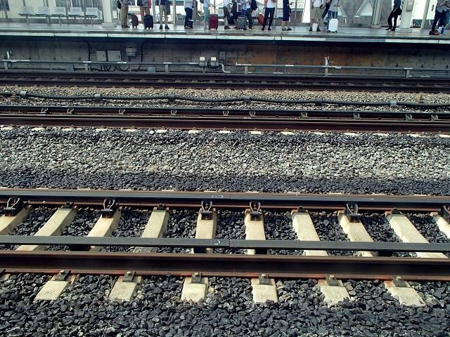 新幹線  (新大阪へ向う朝 編)_d0105967_18594117.jpg