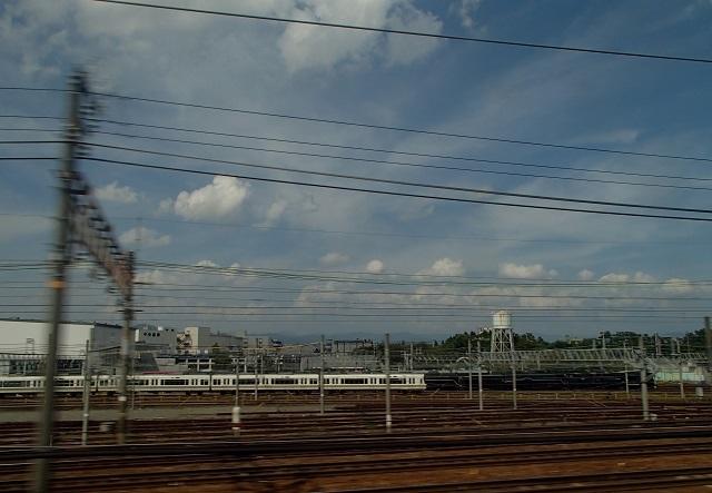 新幹線  (新大阪へ向う朝 編)_d0105967_19025253.jpg