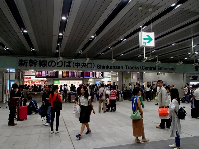 新幹線  (新大阪へ向う朝 編)_d0105967_19514753.jpg