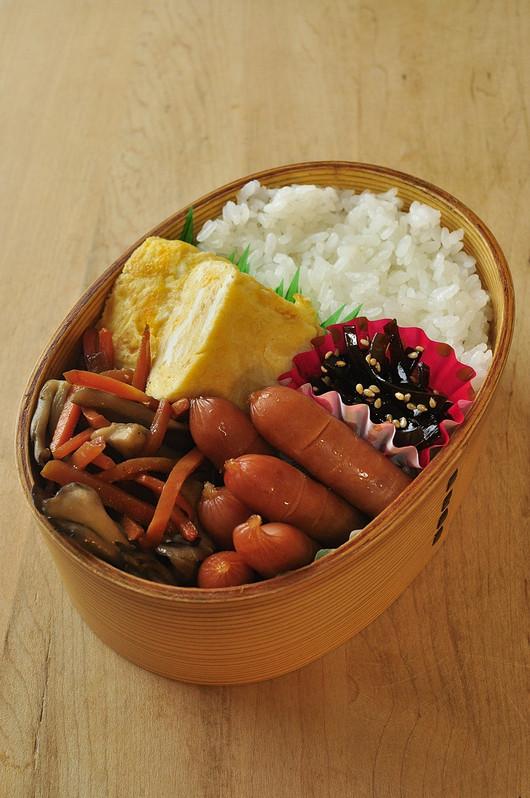 人参と舞茸の炒め煮弁当_b0171098_846135.jpg
